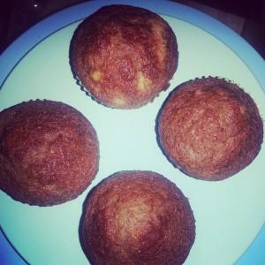 banana and apple sauce muffins